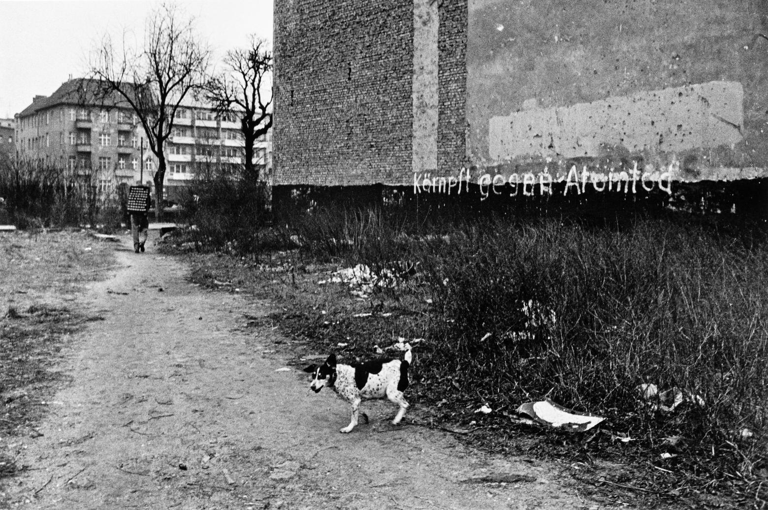 "Arno Fischer, ""West-Berlin, Charlottenburg"", 1959. Aus der Serie ""Situation Berlin"", 1953–1960"