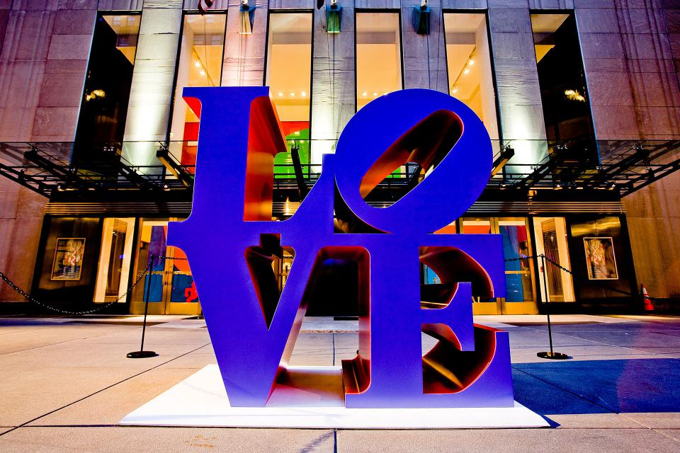 """Love""-Skulptur von Robert Indiana"