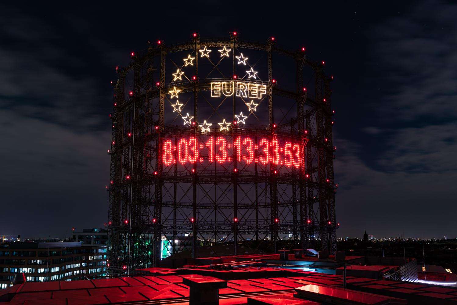 CO2-Countdown am Gasometer in Berlin
