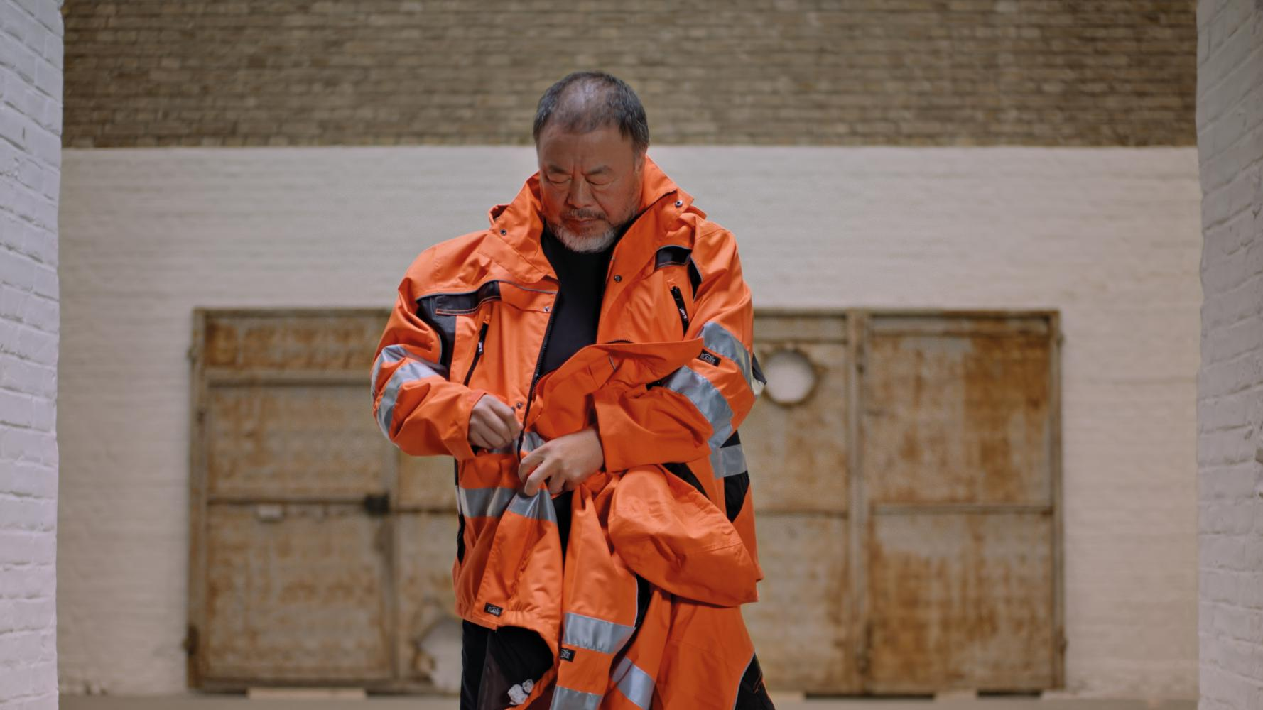 "Ai Weiwei und Hornbach ""Safety Jackets Zipped the Other Way"", 2020"
